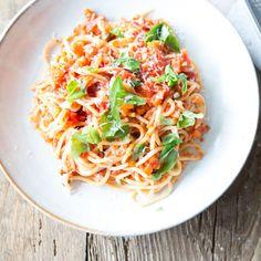 Diese Pastakreation wird mitMöhren, Sellerie und Knoblauch zubereitet und ist die ursprüngliche Version von Spaghetti mit Tomatensauce.
