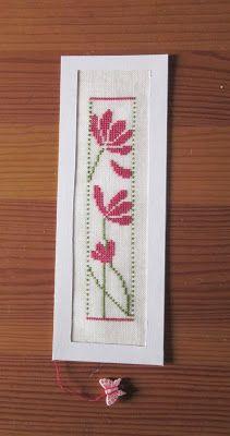 Cross Stitch Books, Cross Stitch Bookmarks, Cross Stitch Heart, Cross Stitch Cards, Cross Stitch Flowers, Cross Stitching, Cross Stitch Embroidery, Cross Stitch Designs, Cross Stitch Patterns