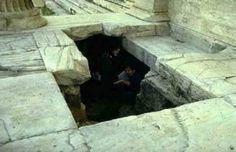 Νέα από Ήπειρο και Ιωάννινα. Ταινίες και σειρές online. Ancient Beauty, Athens Greece, Archaeology, Mythology, Traveling By Yourself, Creepy, History, Bitterness, Caves