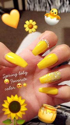 Semi-permanent varnish, false nails, patches: which manicure to choose? - My Nails Acrylic Nails Yellow, Yellow Nail Art, Summer Acrylic Nails, Best Acrylic Nails, Aycrlic Nails, Cute Nails, Coffin Nails, Red Sparkly Nails, Yellow Nails Design