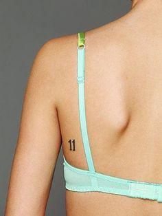 diseños de numeros para tatuajes en espalda