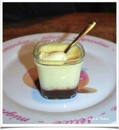 Crème vanille au coulis de chocolat Flan Nature, Salsa Dulce, Creme Dessert, No Cook Meals, Mousse, Entrees, Yogurt, Panna Cotta, Biscuits
