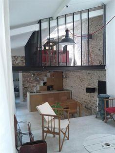 Verrière en mezzanine et suspension type atelier