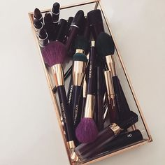 makeup and luxury image - Luxury Beauty - Kiss Makeup, Love Makeup, Beauty Makeup, Hair Makeup, Makeup Dupes, Makeup Brushes, Divas, Makeup Storage, Makeup Goals