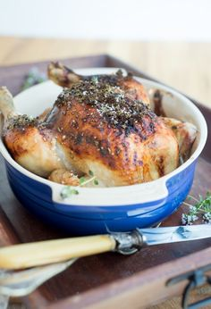 Thyme chicken with honey and garlic (Poulet au thym-miel et ail) - Healthy Recipes! Beer Chicken, Chicken Recipes, Cooking Recipes, Healthy Recipes, Sweet And Salty, Soul Food, Food And Drink, Tasty, Favorite Recipes