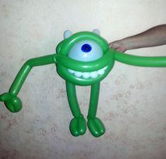 Mike Wazowski with balloon twisting Balloon Crafts, Balloon Ideas, The Balloon, Balloon Decorations, Birthday Decorations, Monster Balloons, Animal Balloons, Balloon Animals, Homer Simpson