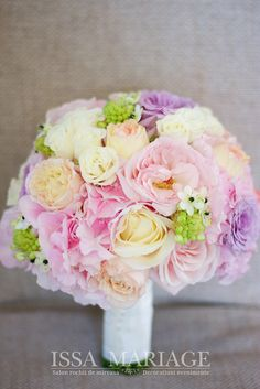 Floral Wedding, Wedding Bouquets, Wedding Gowns, Wedding Flowers, Bridal Style, Flower Arrangements, Floral Design, Bridesmaid, Twitter