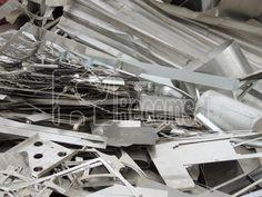 El aluminio se recicla en Recemsa en diferentes formatos: perfil lacado, anodizado, obra, recorte chapa, viruta, offset, radiador, cárter. Precio aluminio por kilo