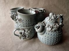 Handmade Alice Stoneware tea service - A teapot and 6 cups crafted by L' Officina