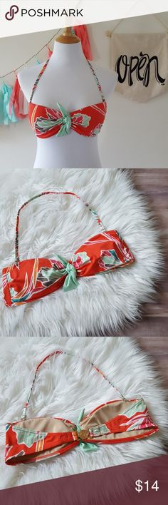 Victoria's Secret Knot Bandeau Bikini Top sz. MED Fun and flirty! Combine with a solid bottom, so many colors to choose from! White, turquoise, mint, pink, coral!  Detachable strap can be worn as a halter.  Rose gold VS closure.  Light padding. Victoria's Secret Swim Bikinis