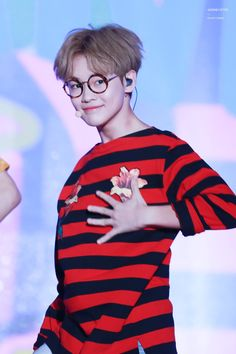 Thank you to whoever gave Chenle these glasses. He look soo cute in them