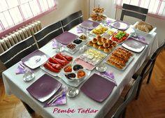 mmmmmmmm......... Food Decoration, Table Decorations, Brunch, Iranian Food, Food Platters, Table Arrangements, Breakfast Recipes, Breakfast Ideas, Dinner Table