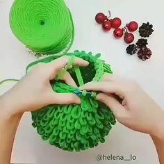 Pontos de Crochê Passo a Passo Para Iniciantes ✨ Learn the fact (generic term) of how to crochet, st Crochet Basket Pattern, Crochet Motif, Diy Crochet, Crochet Designs, Crochet Crafts, Crochet Flowers, Crochet Stitches, Crochet Projects, Easy Knitting Patterns