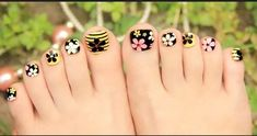 Flower teo nail style