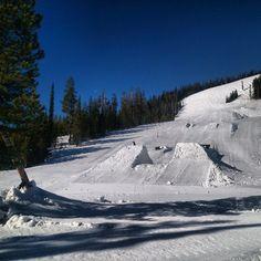 #sick park #losttrail #monumentinmontana @mnmntsnowboards #Montana #day95 #snowboarding