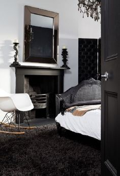Luxurious Look with Black Gold Bedroom Decorating Ideas