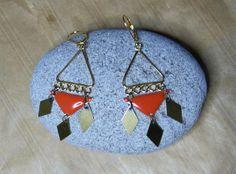 """Boucles d'oreilles """"Graphic Triangle"""" en métal doré : Boucles d'oreille par c-est-pas-madame-c-est-mademoiselle"""