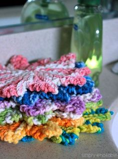 The Mini Almost Lost Washcloth Free Knitting Pattern | SimplyNotable.com