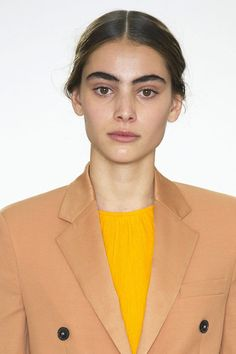 The Fashion Week Beauty Trends You Can Actually Wear: Feral Brows. For more ideas, click the picture or visit www.sofeminine.co.uk
