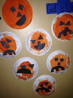Two year old jack o lantern craft. Halloween art. I'm not sure why they made such angry pumpkins haha. Could make it simpler for toddlers by just doing orange pumpkin cut outs and glue on face pieces!