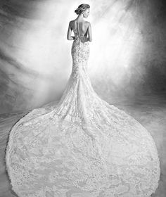 VERDA - Sexy wedding dress with lace | Pronovias