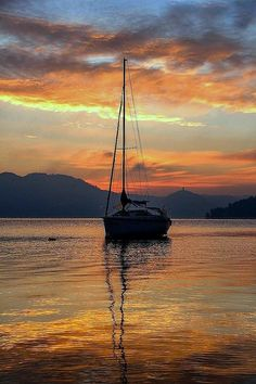 """""""Live in the sunshine, swim the sea, drink the wild air."""" Ralph Waldo Emerson photo by Pietro Bonetti Nature Pictures, Beautiful Pictures, Sailboat Painting, Boat Art, Beautiful Sunset, Belle Photo, Beautiful Landscapes, Sunset Photos, Sailing"""