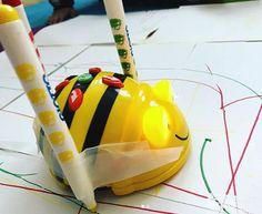 Skapandet i mötet med digitalitet. Coding For Kids, Steam Activities, Tech Toys, Classroom Displays, Phonics, Preschool, Teaching, Maths, Robots