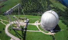Специальная астрофизическая лаборатория РАН отметила свой полувековой юбилей. ОБСЕРВАТОРИЯ ДИСЛОЦИРУЕТСЯ В ЗЕЛЕНЧУКСКОМ РАЙОНЕ. ЕЕ ОСНОВНОЙ ИНСТРУМЕНТ – БОЛЬШОЙ ТЕЛЕСКОП АЗИМУТАЛЬНЫЙ РАСПОЛОЖЕН НА СКЛОНАХ ГОРЫ ПАСТУХОВА НА ВЫСОТЕ 2100 МЕТРОВ НАД УРОВНЕМ МОРЯ.