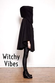 Give me all those witchy styles for October! Loving flowy tops, tough jewelry, and lunar shapes. // photo via: alltildflink.tumblr.com