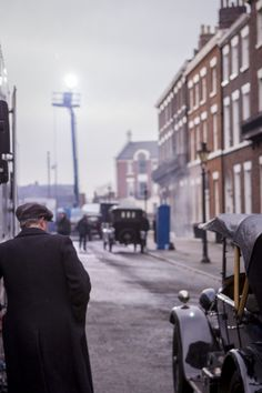 Peaky Blinders filming in Liverpool Peaky Blinders Suit, Peaky Blinders Series, Alfie Solomons, Steven Knight, Red Right Hand, Classy Aesthetic, Poldark, Cillian Murphy, I Cant Even