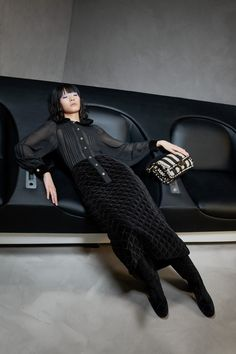 Apr 2020 - The complete Fendi Pre-Fall 2020 fashion show now on Vogue Runway. Live Fashion, Fashion 2020, New Fashion, Runway Fashion, Winter Fashion, Womens Fashion, Fashion Trends, Color Fashion, Chanel Fashion