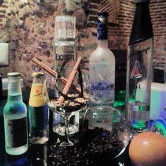 Ven a disfrutar de un Wodka perfect en #lascuevasdesando