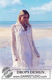 """Lang DROPS Vest of trui van gehaakte vierkanten van """"Muskat"""". One-size ~ DROPS Design"""