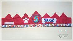 Y seguimos haciendo coronas personalizadas para los peques. En esta ocasión una Corona con temática de la Patrulla Canina y otra corona par...