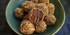 De her vanedannende Nutellakugler smager ikke bare helt forrygende - de er også super nemme at lave, og der skal kun bruges fem ingredienser.