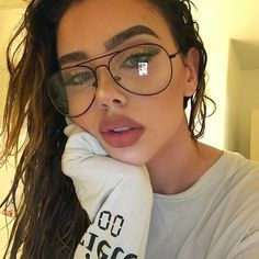 """Universe of goods - Buy """"Luxury Brand Designer Aviation Big Frame Women Men Eye Glasses Vintage Metal Twin Beam Oversized Eyeglasses Clear Lens Thin"""" for only USD. Oversized Glasses, Pastel Outfit, Top Gun, Girls With Glasses, People With Glasses, Big Glasses, Mode Vintage, Vintage Metal, Womens Glasses"""