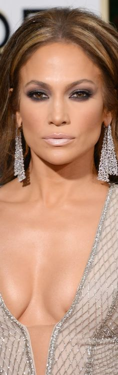 ON THE RED CARPET via LOLO repin by BellaDonna *updated* Jennifer Lopez 2015 Golden Globes