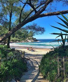 Um paraíso chamado Praia da Ferrugem, em Garopaba, Santa Catarina!⠀ Quem você levaria para conhecer esse pedaço de paraíso?!⠀ ⠀ ⠀… Brazil Travel, Photographs Of People, Continents, Surfing, World, Beach, Outdoor Decor, Instagram, Terra