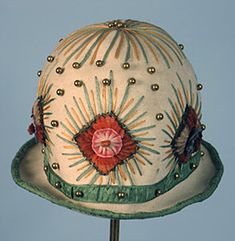 Wool Felt Cloche, 1920s. @designerwallace - How about decorating this one with quilling? I'm certain that it would work!