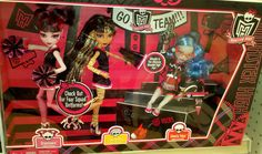 Showing some school pride and spirit ! Monster High Dolls, Pride, Spirit, Fandoms, Kitty, Memories, Cartoon, Rock, Halloween