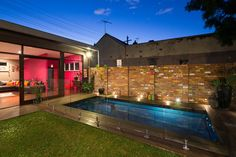 Courtyard & Pool House Newtown - contemporary - pool - sydney - Zugai Strudwick Architects