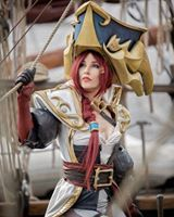 Captain Miss Fortune from League of Legends  Cosplayer: Laura Craft  Photographer: SollieFoto.se