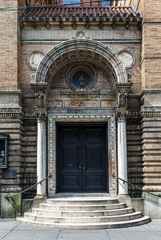 Judson Memorial Church ~ Built during NY's Gilded Age - location: Washington Square S. - Stanford White, architect - c.1893. New York Architecture, Architecture Photo, Yvonne Rainer, Stanford White, Washington Square, Gilded Age, Rhode Island, Gotham, Newport