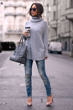 Wearing: Sweater: LINDEX Jeans: NOISY MAY Shoes: CHRISTIAN LOUBOUTIN Sunglasses: GIVENCHY Bag: RALPH LAUREN