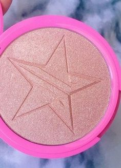 Kupuj mé předměty na #vinted http://www.vinted.cz/kosmetika-a-prislusenstvi/dekorativni-kosmetika-kosmetika/15073702-jeffree-star-cosmetics-skin-frost-peach-goddess