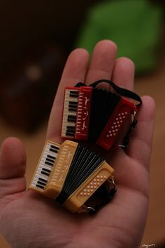 Little accordions