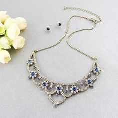 $6.50 A Set Of Gorgeous Elegant Rhinestoned Women's Flower Pendant Necklace With Stud Earrings