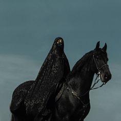 Life Is Cheap, Death Is Free, an album by Nadia Tehran on Spotify Arabian Women, Arabian Beauty, Horse Girl, Horse Love, Saudi Arabia Culture, Foto Fantasy, Teheran, Islamic Cartoon, Anime Muslim