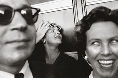 When they came upon a trove of unseen Garry Winogrand images from the 1960 Democratic National Convention in Los Angeles, The New York Times Magazine spent weeks researching the faces in the photos. Garry Winogrand, Walker Evans, Robert Frank, Diane Arbus, Robert Doisneau, Vintage Photography, Creative Photography, Film Photography, Manhattan New York