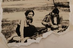 Buy online, view images and see past prices for Clyde Barrow & Bonnie Parker (Bonnie & Clyde). Barrow family photo albums and scrapbooks. Bonnie And Clyde Photos, Bonnie Clyde, Family Photo Album, Family Photos, Couple Photos, Famous Outlaws, Love You Sis, Bonnie Parker, Mata Hari